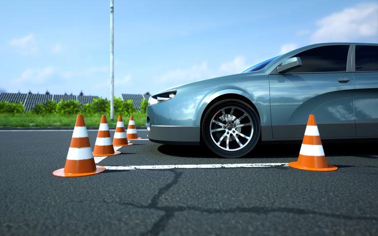 Plugga körkort-teori
